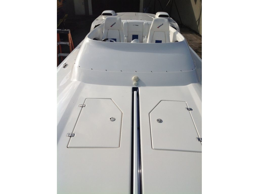 race-boat-charter-miami-ft-lauderdale-2