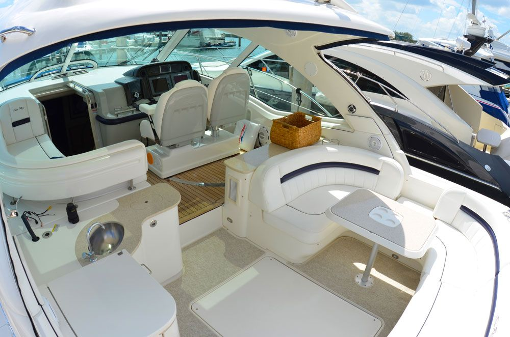 50-searay-yacht-charter