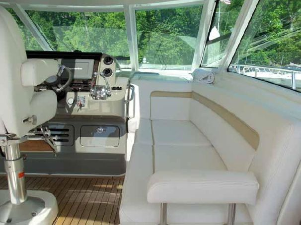 54-searay-yacht-charter