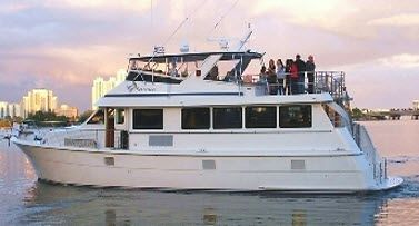 small-party-yacht-3