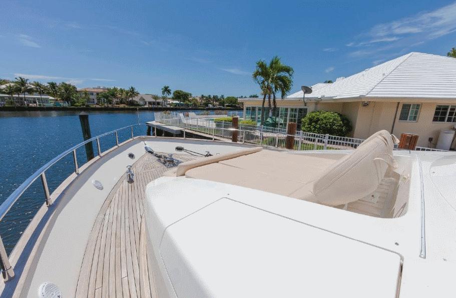 azimut-yacht-charter-11